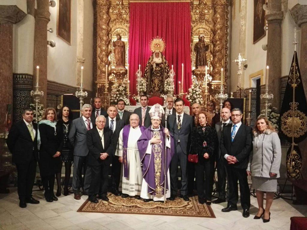 Junta de Gobierno con cardenal